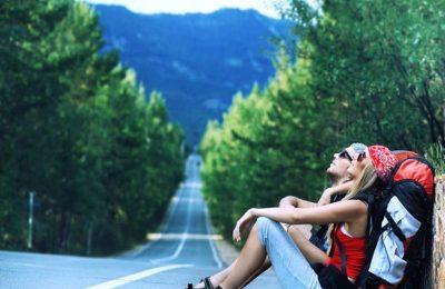 turist_yolda