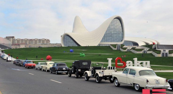 klassik-avtomobillerin-baki-paradi-4-1