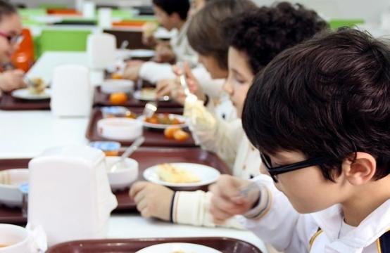 Image result for məktəbli uşaqların qidalanması